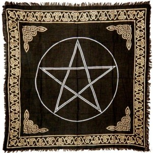 Pentagram Gold U0026 Black Altar Cloth (36u2033x36u2033)